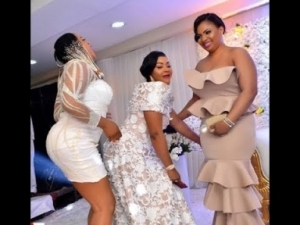 Video: Mercy Aigbe Dances Her Heart Out As Omo Banke & Others Storms Her 40th Birthday Party In Style
